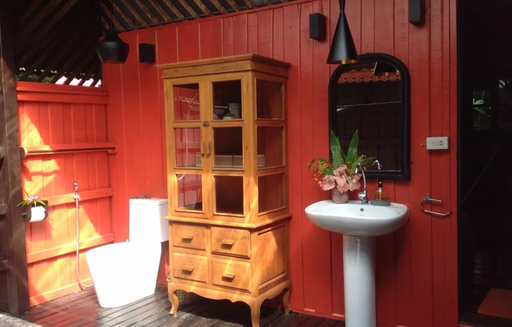 Baan Rim Partly Covered Bathroom