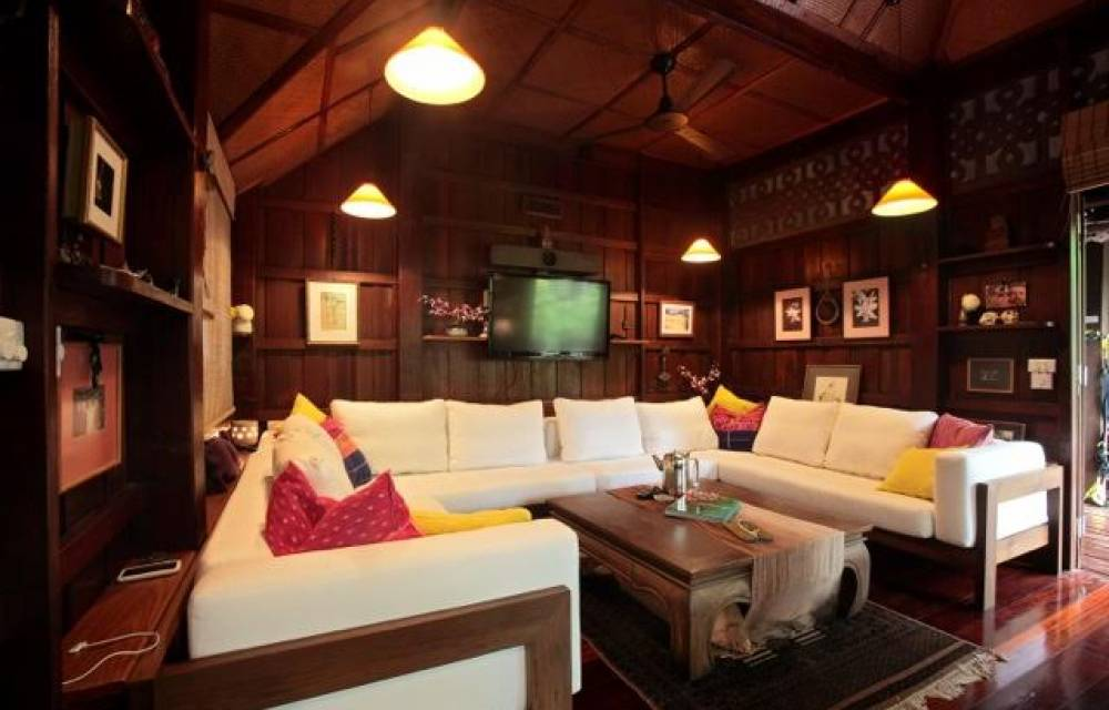 Living & Entertainment Room