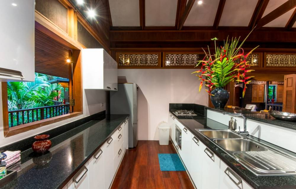 6. Fully equipped kitchen
